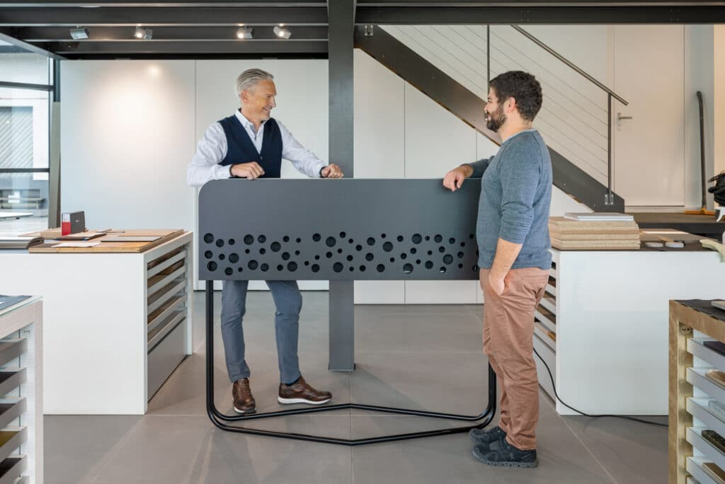 This unit with a built-in UVC lamp kills bacteria on the workspace